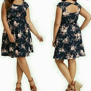 EUC  2X Torrid Floral Mini Dress